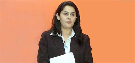 hot female journalists in india top 10 hottest female journalists in india