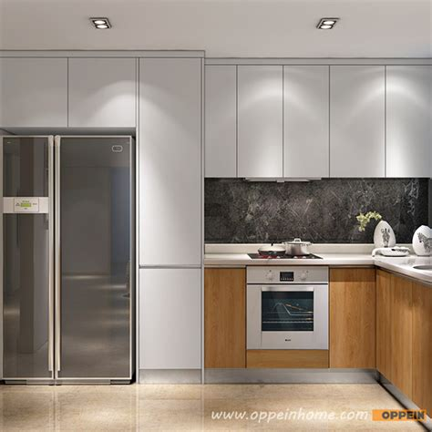 White Wood Grain Kitchen Doors by Op16 L05 Modern White Matte Lacquer And Wood Grain