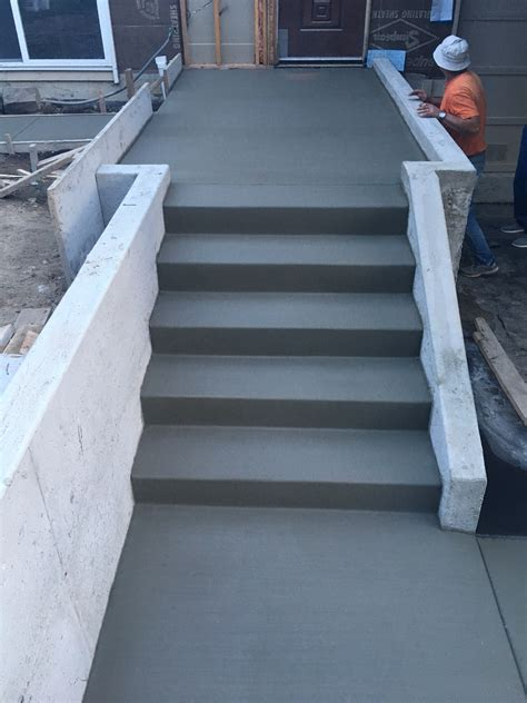 How Thick Concrete For Garage by How Do You Pour A Concrete Floor In A Garage