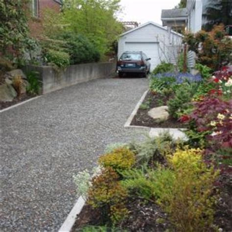 Using Landscape Timbers To Border A Driveway Cobblestone Edging With Gravel Driveway Search