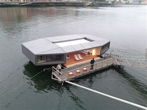 crazy house boats cost live boat the crazy cost live boat the crazy and cruise cost live boat the