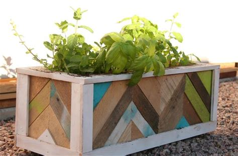 Skid Planters by Diy Pallet Wood Chevron Herb Planter Pallet Furniture Plans