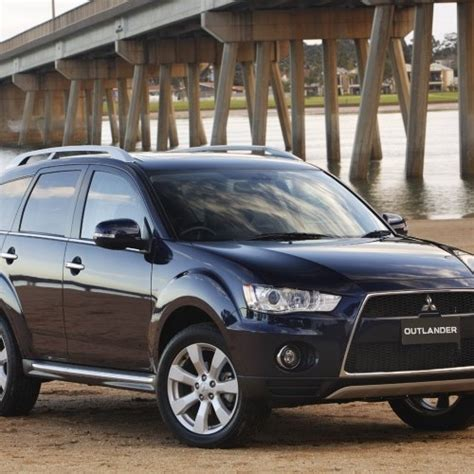 mitsubishi outlander fuel type mitsubishi outlander price review pictures