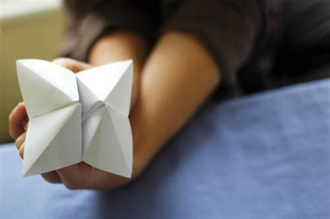 How To Make A Paper Fortune Teller Wikihow - how to make a cootie catcher origami fortune teller