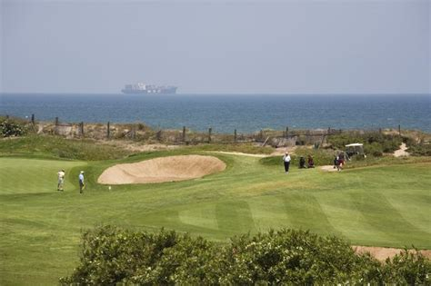 el saler golf golf green and seaside at parador m 225 laga and parador el