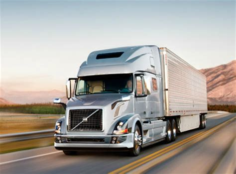 2015 volvo truck volvo trucks to showcase fuel efficiency uptime services