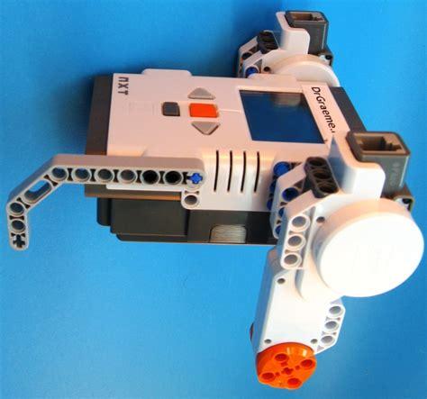 lego robot tutorial build build first robot step 3 lego nxt mindstorms drgraeme net