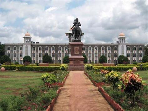 Mba Shivaji Syllabus by Shivaji Fixes Norms For Ug Admissions Careerindia