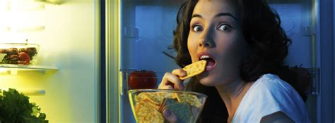 is it bad to eat right before bed midnight snacking teeth first dental network