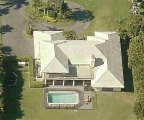 ariana grande s house ariana grande s childhood house in boca raton florida for sale
