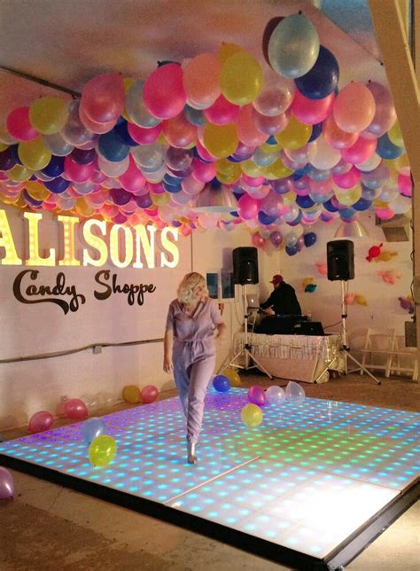 como decorar con globos el techo como decorar el techo con globos con ideas originales