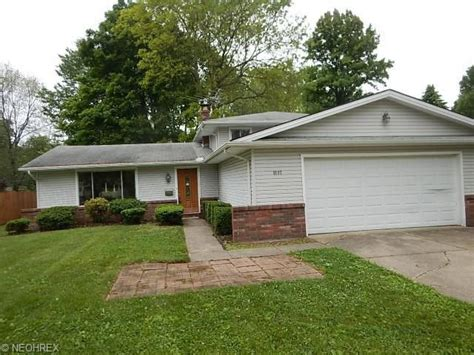 4692 Azalea Ln North Olmsted Oh 44070 Home For Sale And Real Estate Listing Realtor Com 174