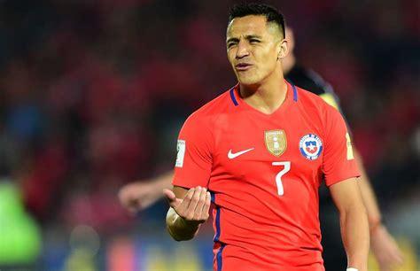 alexis sanchez facebook chile players unhappy with arsenal star alexis sanchez