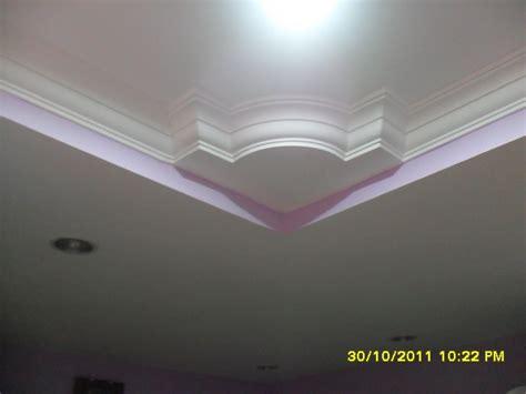 design on plaster of paris ceiling