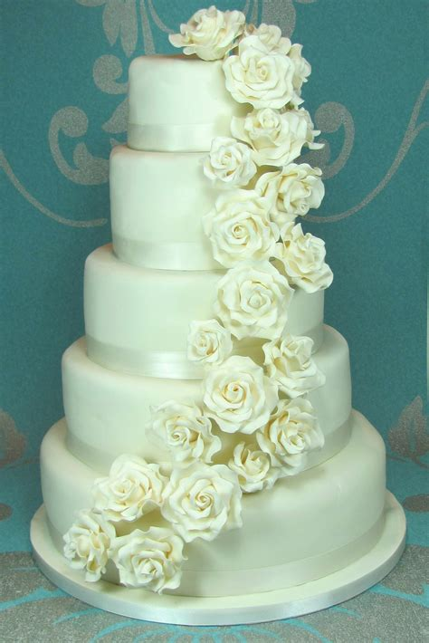 Cake Flower Wedding by Wedding Cake Flowers February Flowery Wedding Cakes