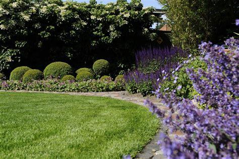 schöne gärten anlegen 3899 schwimmteich f 252 r kleine g 228 rten galabaufachbuch