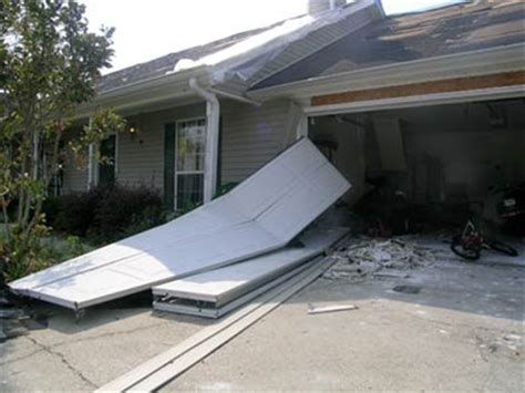 Hurricane Proof Garage Doors Keep Your Family Safe Hurricane Garage Doors