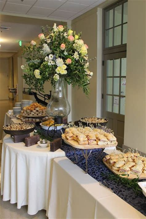 Buffet Table Setting Arrangement Great Buffet Table Arrangement Entertaining Pinterest