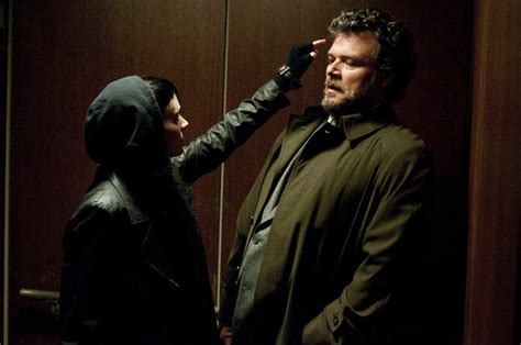 cast of the girl with the dragon tattoo review the with the