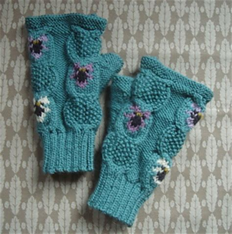 barn owl face fingerless mitts gloves by twistedclassics ravelry twisted classics designs patterns