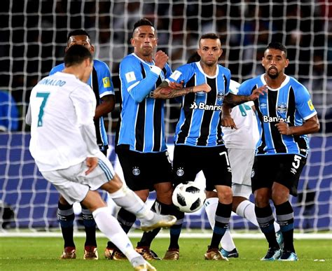 imagenes real madrid vs gremio com gol de cristiano ronaldo gr 234 mio 233 derrotado pelo real
