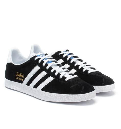 Promo Sepatu Adidas Gazele Suede Sol Gum adidas originals black white suede gazelle og trainers