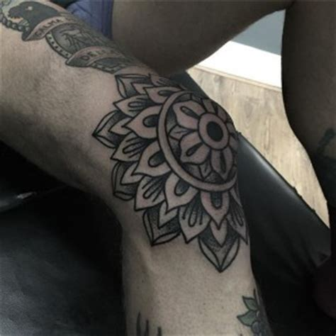 girl knee cap tattoo knee tattoos best tattoo ideas gallery part 2