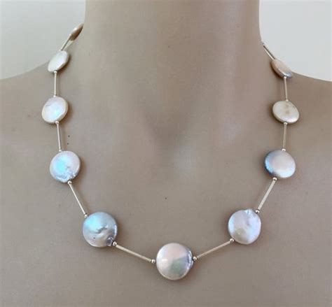 21114 Rice White white quartz necklace hammered
