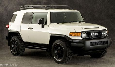 New Toyota Fj 2015 Toyota Fj Cruiser Review Redesign Specs And Photos