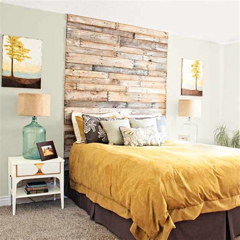Diy Bed Headboard Ideas by 27 Diy Pallet Headboard Ideas 101 Pallets