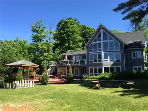 lake joseph cottage rentals spectacular retreat on lake joseph rosseau cottage