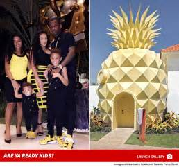 fabolous digs in a pineapple the sea for 4k a