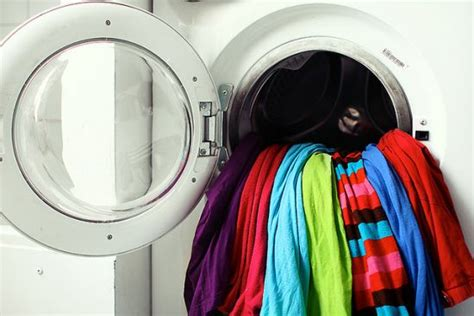 washing colors 4 ways to keep colors bright organic authority