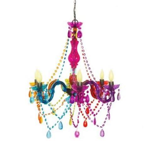 chandelier teenage bedroom chandelier peace sign teen bedroom pinterest chandeliers girl rooms and wake up