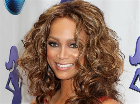 Whats Ashlees Best Look Wavy Or by 30 Best Curly Hairstyles For