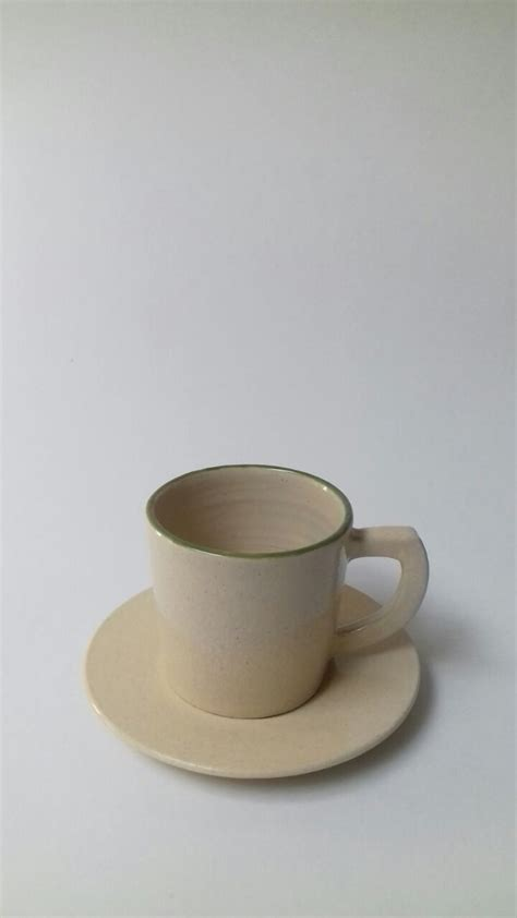 Cangkir Keramik Bergagang Lucu keramik pabrik souvenir cangkir green line cup untuk pernikahan