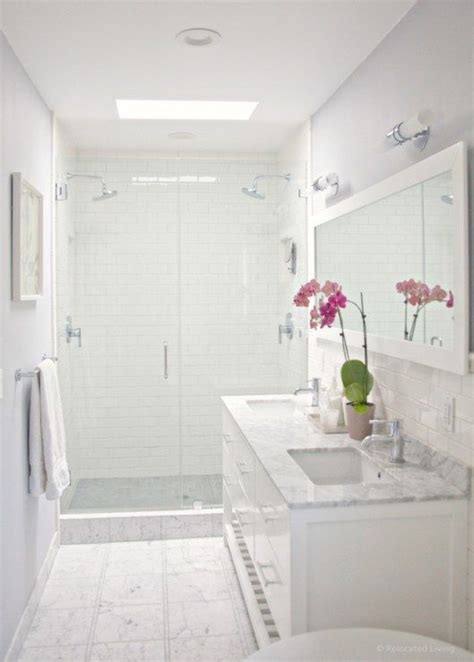 White Marble Subway Tile Bathroom by 1000 Ideas About White Subway Tile Bathroom On