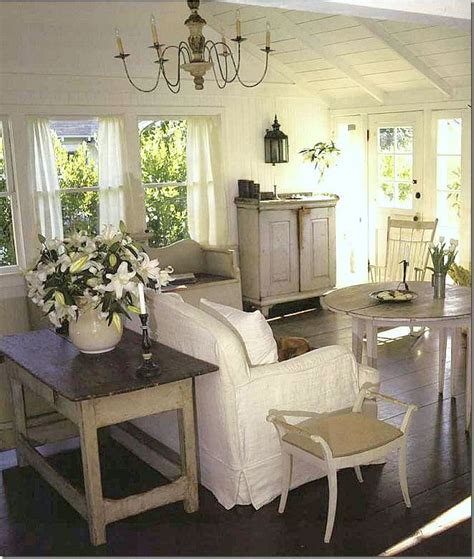 Cottage Living Rooms by 17 Best Ideas About Cottage Living Rooms On Cottage Decorating Cottage Living And