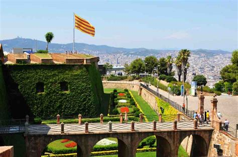 barcelona travel guide 101 coolest things to do in barcelona spain travel guide barcelona city guide budget travel barcelona travel to barcelona books the best things to do in barcelona on a 3 day itinerary