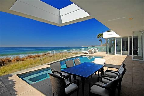 Contemporary House Design by Malibu California Beach House California Beaches