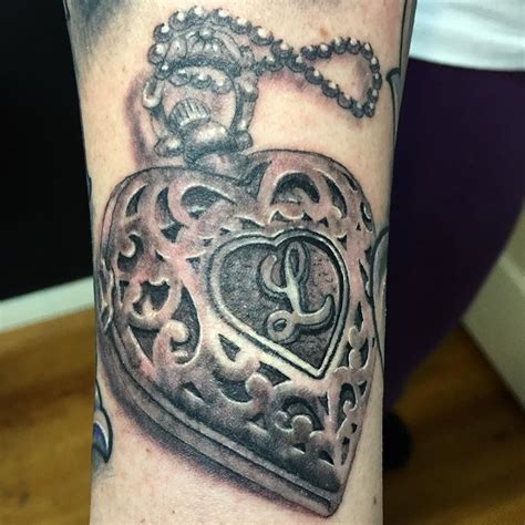 heart locket tattoos locket tattoos designs ideas and meaning tattoos for you
