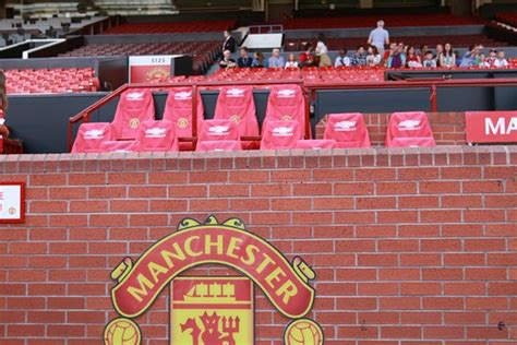man utd bench sir bobby charlton stand picture of old trafford