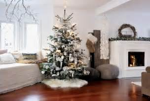 Interior Design Christmas Decorating For Your Home by 30 Living Room Christmas Decorations Designrulz