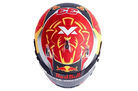 helm design max verstappen max verstappen onthult helm voor formule 1 seizoen 2017
