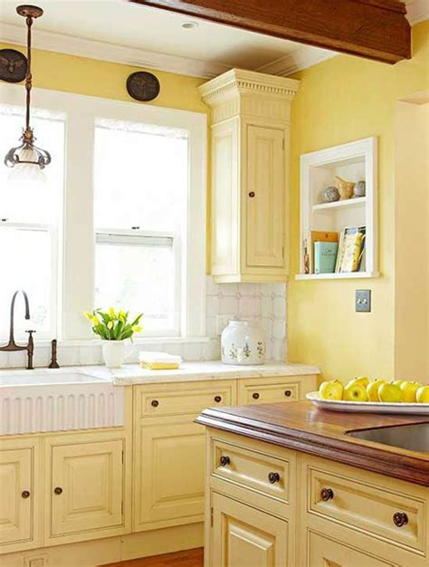 pale yellow paint colors for kitchen ideas pale yellow kitchen with white cabinets www imgkid