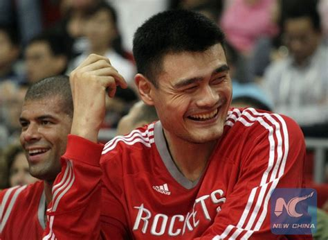yao ming bench press yao ming in basketball hall of fame china org cn