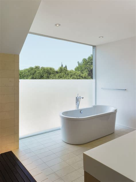badezimmer privacy glas obscure glass windows bathroom modern with bay window