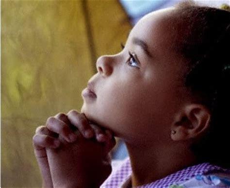 imagenes bebes orando hadal 250 hermosas im 225 genes de ni 241 os orando