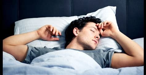 sleeps on back which sleep position is healthiest everlasting radio