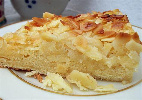 kuchen mit apfel apfel mandel kuchen mit eierlik 246 r rezept mit bild